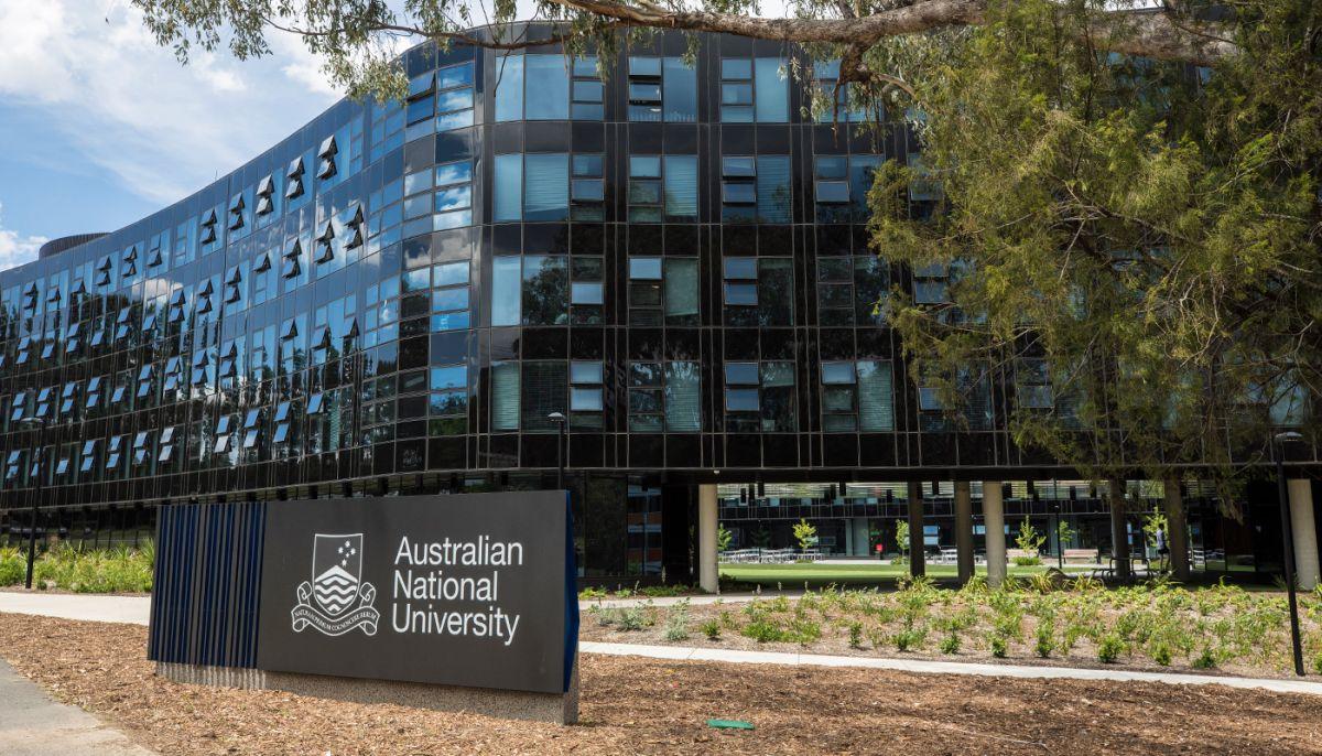 ANU International undergraduate financial aid, Australia