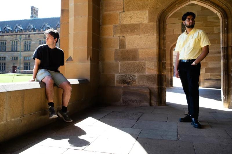悉尼大学生每年支付4万澳元在笔记本电脑上上课,小伙伴们表示非常失望