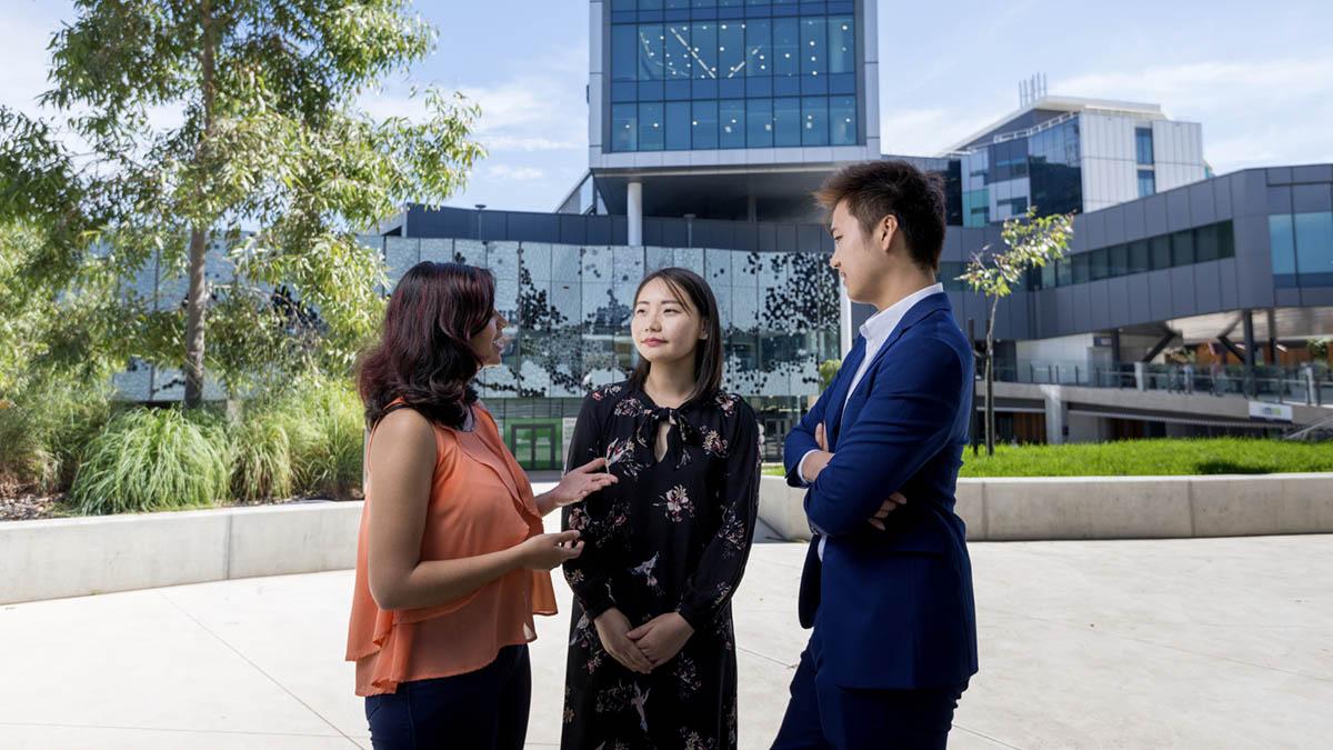 工作、移民还是回国?澳大利亚留学毕业后有哪些选择?
