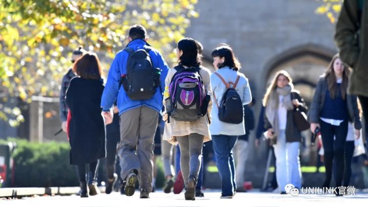 圣诞后接回留学生!2021年可以接回15万人。教育部长催各州交返澳计划,澳洲各行业受影响严重。