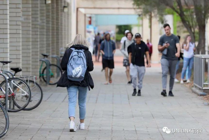 维州高校对返澳仍乐观!今年要接回留学生!墨尔本最快下周复工