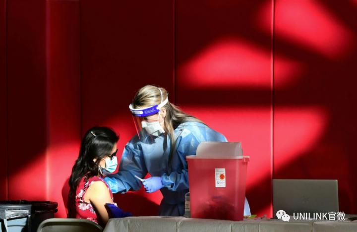 """澳洲今年12月有望实现全民接种!ANU校长:低风险国家学生先返澳,不然大学要""""流血死亡""""..."""