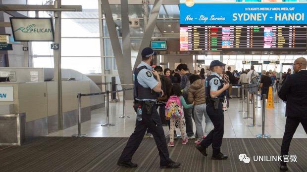 因手机有军训照片,留学生被拒绝入境,在机场遭遣返!入境务必要注意!