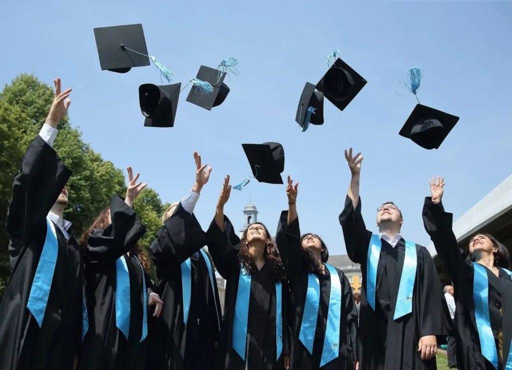 最新!澳洲大学毕业生就业率激增!这些专业工资最高